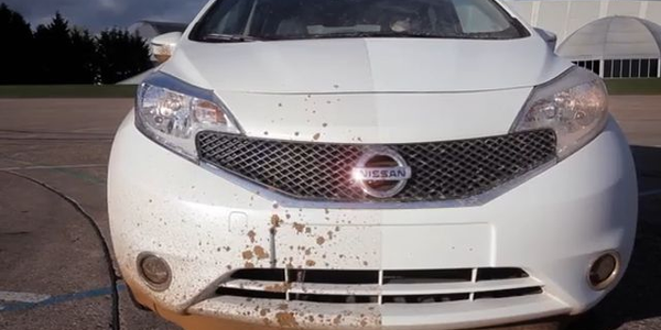 Nissan's Self-Cleaning Car