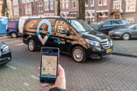 Mercedes-Benz Brings On-Demand Ridesharing Vans to London