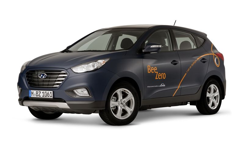 First Fuel Cell Car Sharing Service Launches