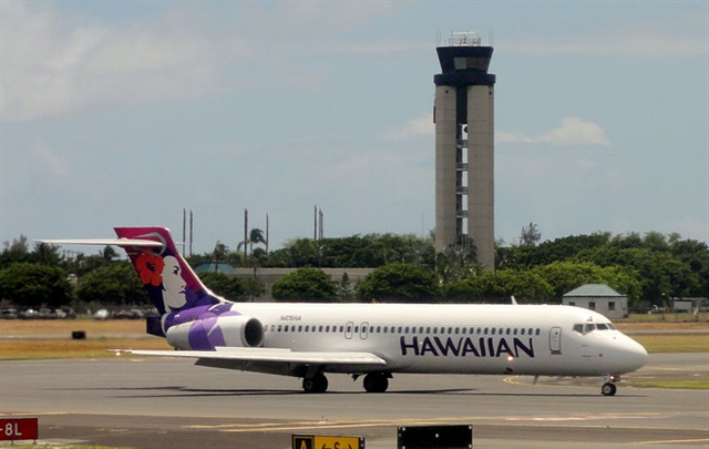 Honolulu Airport is undergoing a construction project that includes a new consolidated rental car facility. Photo via Wikimedia/Cristo Vlahos
