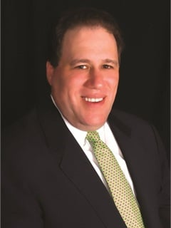 Bob Barton has been appointed the VP of franchising at Hertz.