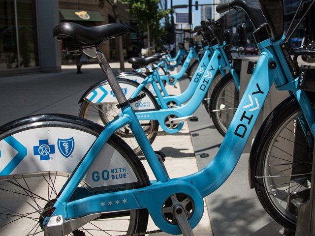 Zipcar has partnered with bike-sharing company Divvy in Chicago. Photo via Wikimedia.