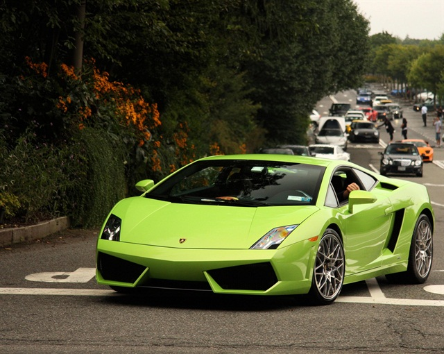 The Lamborghini Gallardo is one of the exotic rentals offered by Beverly Hills Rent-A-Car. Photo via Wikimedia.