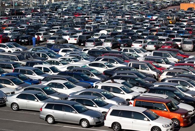 A car auction lot. Photo via Wikimedia.