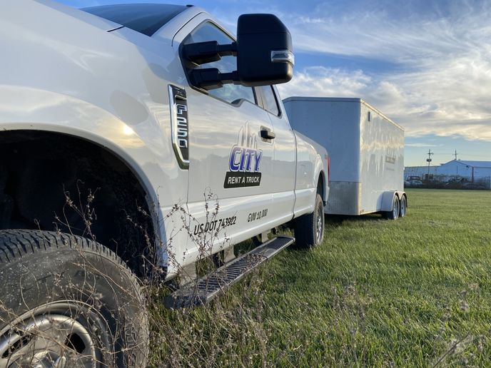 A pickupwith a GVWR offewer than 10,000lbs.does not need a DOT number. But if that truck is pulling a trailerand the combined weight exceeds 10,000 lbs.,itwould be subject to the FMCSArules. - Photo viaCity Rent A Truck.