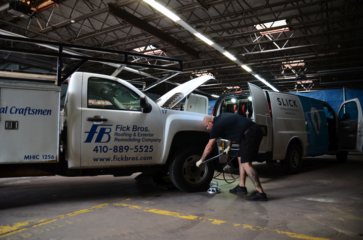 Mobile maintenance services are part of a growing trend for fleets with high utilization to maximize uptime. The Slick mobile service provides oil changes, tire rotations, fuel, and vehicle cleaning 24 hours a day and doesn't need much space to do the job.   - Photo via Flick Bros.