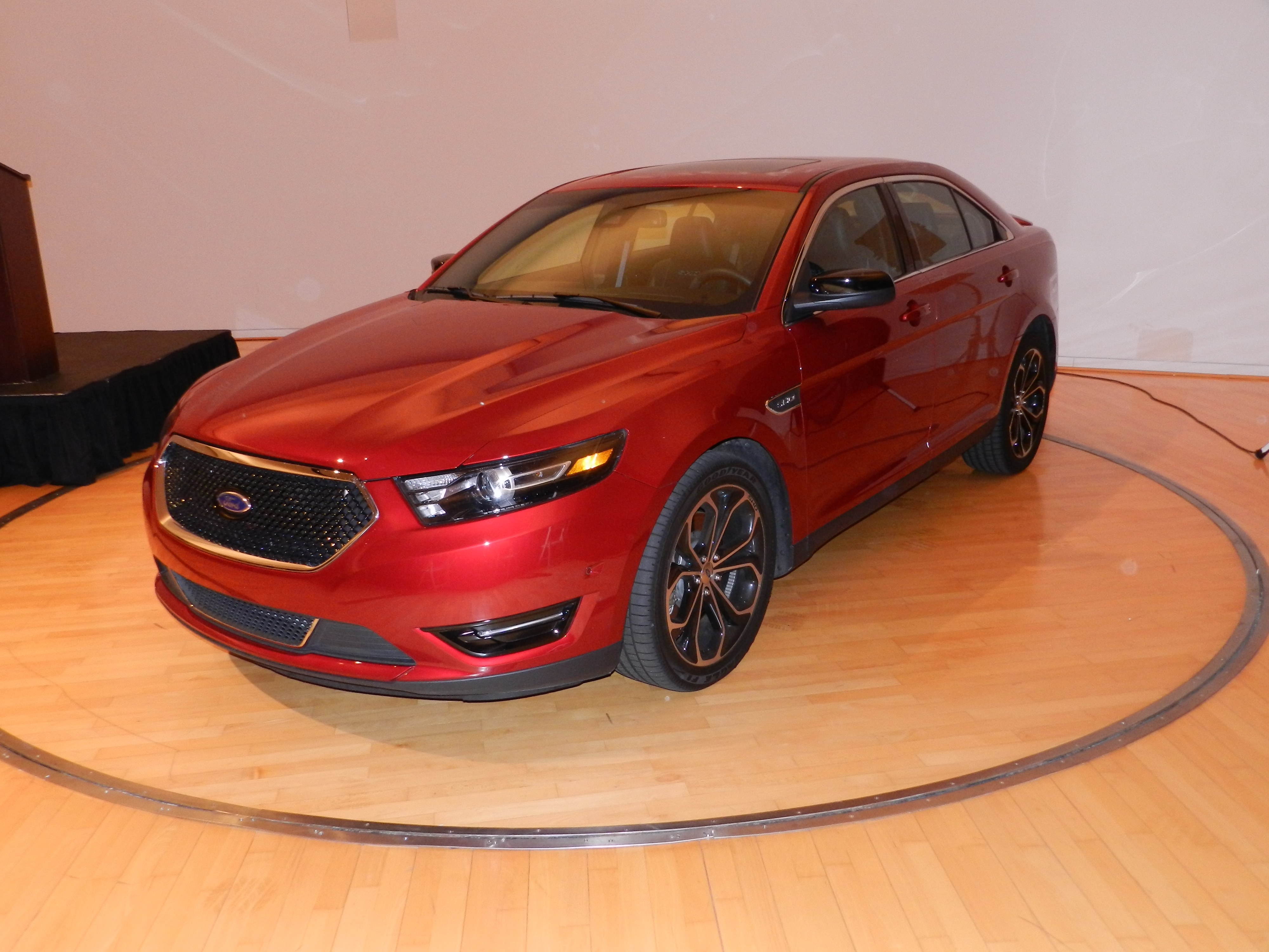 Ford Previews Fleet Vehicles for 2012 and Beyond
