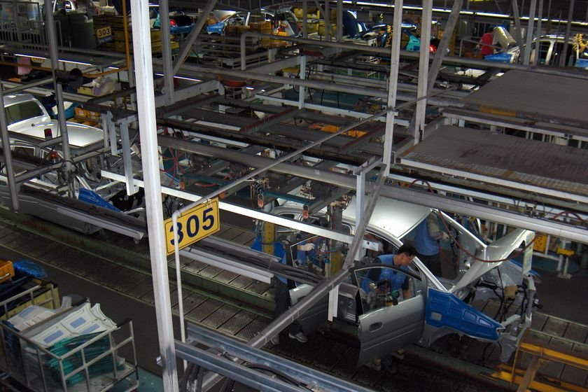 Foreign, Domestic Automakers Suspend Production at North American Factories