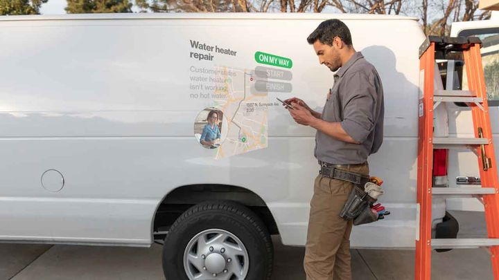 Customers can access vehicle near-real-time location information either via an iOS or Android-enabled app or directly on the Reveal website. - Photo via Verizon.