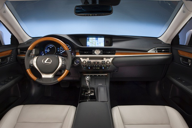 The interior of the 2013 ES 300h.