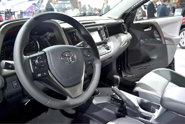 Inside, the RAV4 features a standard manual tilt/telescoping steering column.