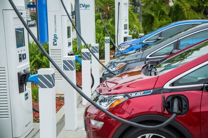 General Motors and EVgo plan to add more than 2,700 fast chargers across the U.S. - Photo: General Motors