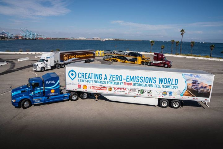 Toyota, Kenworth, the Port of Los Angeles and the California Air Resources Board (CARB) took a big step toward zero-emission trucking on April 22, 2019 when they unveiled the first of Toyota and Kenworth's jointly developed fuel cell electric heavy-duty trucks (FCET). The unveiling was before a crowd of media, government officials and industry and community leaders during a special event held at the Port of Los Angeles. - Photo: Toyota