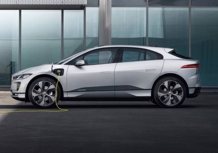 The Jaguar IPACE electric vehicles is an example of the models that appeal to corporations that are electrifying their fleets. - Photo: Blacklane
