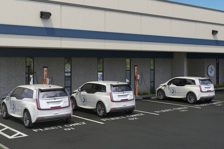 Integrated fleet management, services, and scalable charging solutions optimize depot, on-route, and at-home charging to keep all fleet vehicles charged and ready. - Photo: ChargePoint