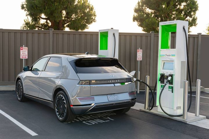 Shifting economic factors and conditions, along with an increase in EV offerings, will make EVs more top of mind for consumers moving forward. - Photo: Hyundai