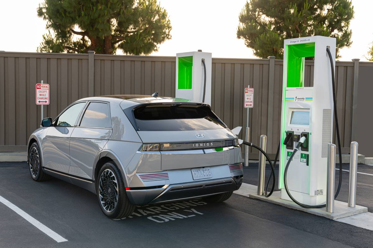 Pipeline Shutdown Spurs Interest In Electric Vehicles