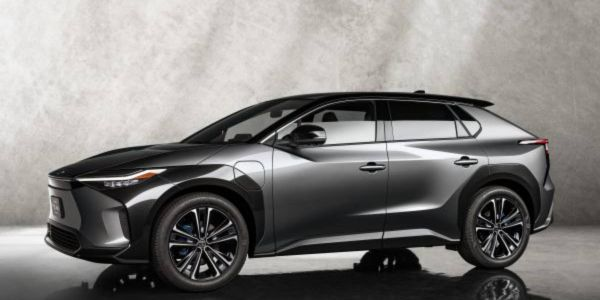 Jointly developed with Subaru, the Toyota bZ4X SUV Concept features the new e-TNGA...