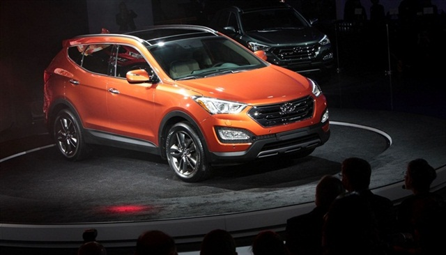 Hyundai revealed the Santa Fe Sport at the New York Auto Show.