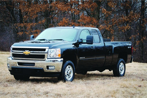The MY-2013 Silverado 2500HD bi-fuel CNG features a compatible 6.0L V-8 engine. A bi-fuel version is also available for the Sierra 2500HD. The bi-fuel version is available for the extended cab models only.