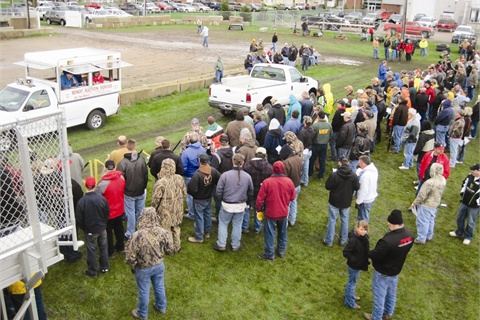 The Minnesota DNR's auction in New Ulm drew 600 bidders.