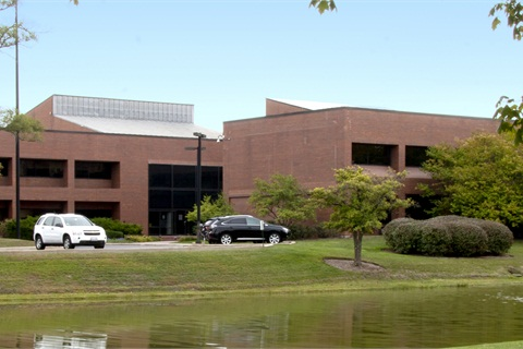 Donlen's headquarters in Northbrook, Ill., experienced an expansion in 2006 that added nearly 8,000 square feet to the facility, including a 2,500-square-foot employee training center.