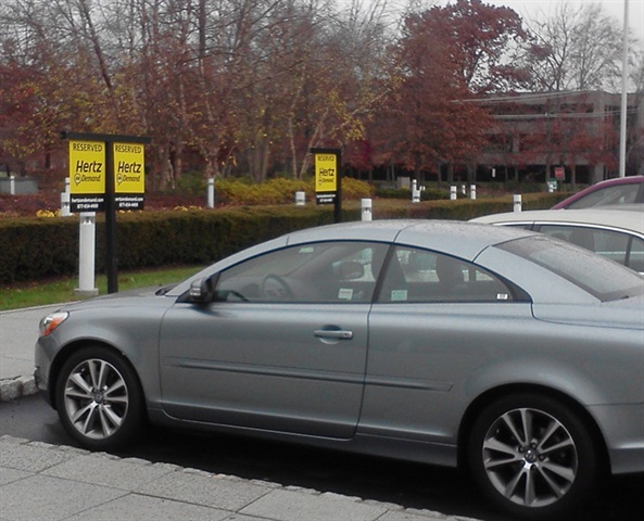 Photo by Adreygrv, Wikimedia Commons Hertz On Demand vehicles at a Park Ridge, N.J. location. The service, which has no membership fees or annual renewal fees, was formerly known as Connect by Hertz prior to July 2011.