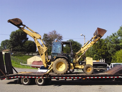 Appealing photos and accurate video of a new Holland 555 backhoe helped the Town of Jonesborough, Tenn., see major remarketing success.