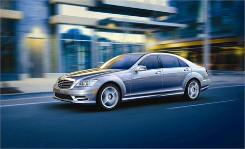 The new Mercedes-Benz S350 introduces a 50-state clean diesel engine, and standard features include 4MATIC all-wheel-drive and numerous safety features.