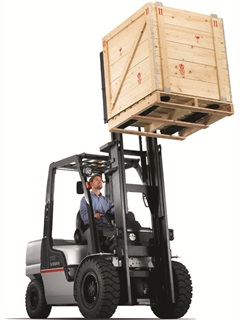 It's important to know the lifting capacity the lift truck needs before purchasing it. The Nissan PF70 has a 7,000-lb. weight capacity.