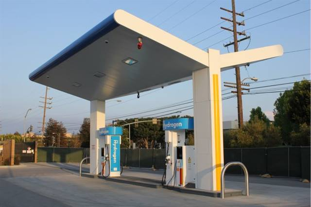 This Shell demonstration station supports Toyota's fuel cell hybrid demo program.