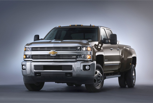 Chevy 3500 Dually Towing Capacity >> 2015 Silverado And Sierra Hd Get Heavier Payload Towing Capacities