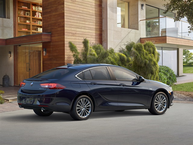 Photo of 2018 Buick Regal Sportback courtesy of GM.