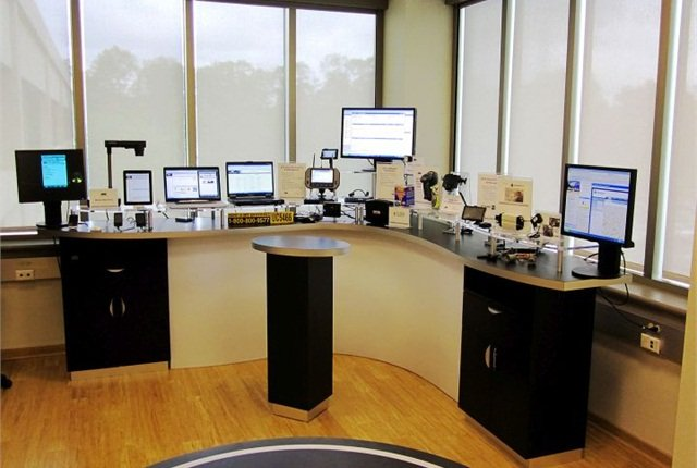Photo of ARI's technology lab courtesy of ARI.