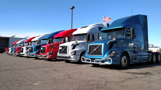 B&B Trucking uses a variety of tactics to green the fleet, including 6x2 axle configurations and natural gas power.