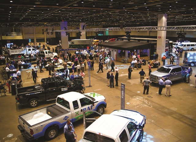 At the reception, dealers interacted with exhibitors and viewed unique demonstrations.