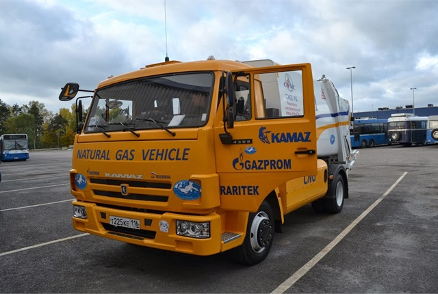 A trash truck fueled by CNG at a stop in Finland on the seventh Blue Corridor Natural Gas Vehicle Rally.