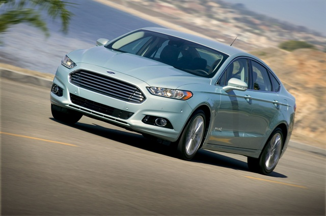 Transportation and logistics company Con-way is purchasing 1,000 Fusion Hybrid sedans for its sales and operations personnel. Photo courtesy Ford Motor Co.