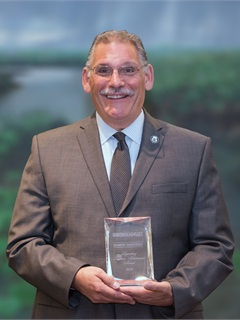 Robert Martinez received the Legendary Lifetime Achievement Award at the Government Fleet Expo & Conference (GFX) on June 10. Photo by Gene Tewksbury