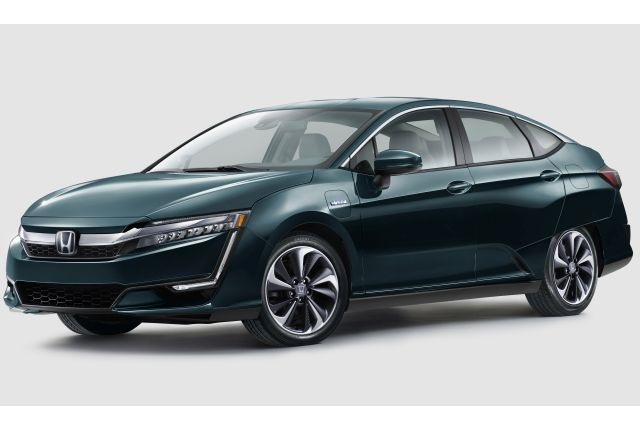 Photo of 2018 Clarity Plug-In Hybrid courtesy of Honda.