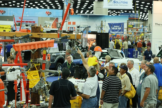 Attendees connected with exhibitors to do business and connected with industry experts in the 90-plus education sessions to gain a clearer understanding of industry issues and challenges. (Photo: ICUEE)