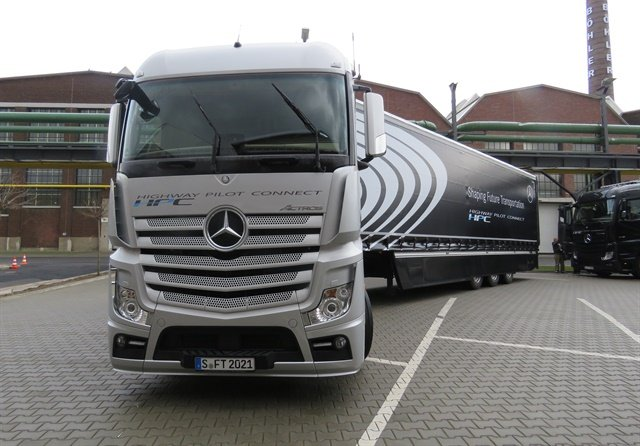 Mercedes Benz Actros cabover fitted with Daimler AG's Highway Pilot Connect autonomous-driving system. Photo: David Cullen
