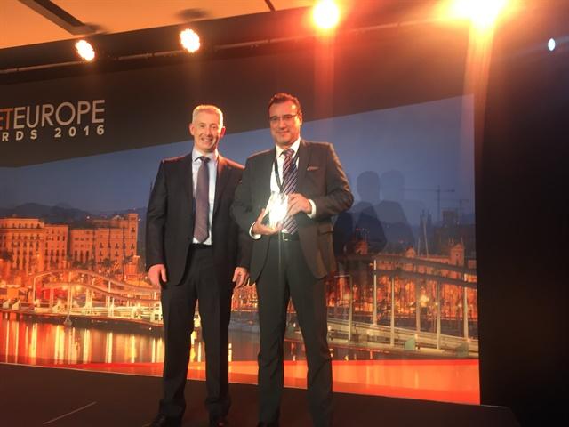 Carlo Bertolini ofChiesi Farmaceutici received the International Fleet Manager of the Year (Medium Fleet). Photo:Mike Antich