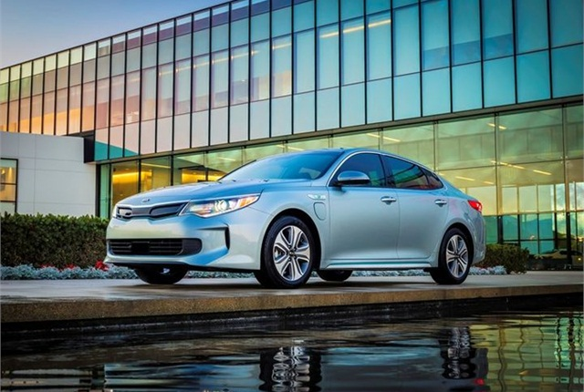 Photo of 2017 Optima PHEV courtesy of Kia.