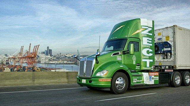 Kenworth S Hydrogen Fuel Cell T680 Day Cab At The Port Of Seattle Photo