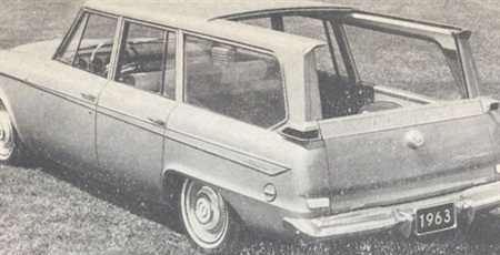 Studebaker Lark station wagon has a sliding roof.