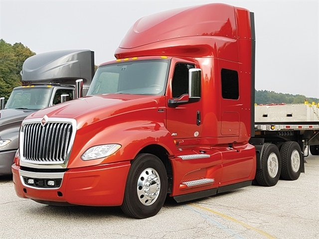 The 2018 LT from International is close to 10% more fuel efficient than a 2015 ProStar, 500 pounds lighter, and much more driver-centric. Photos: Jim Park