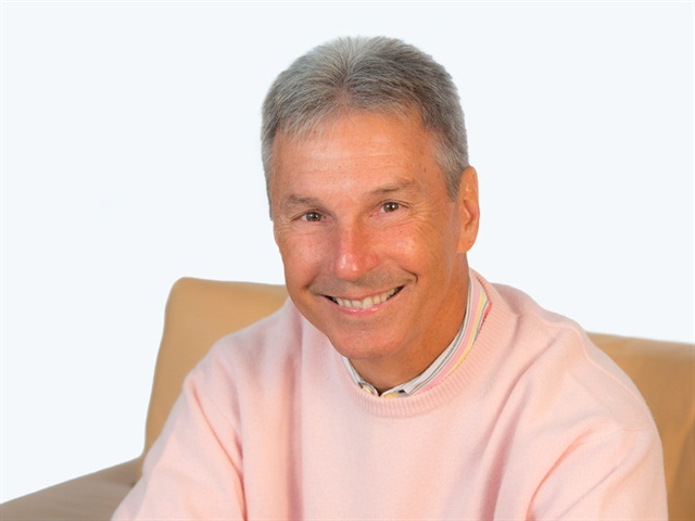 Mark Lampert, DTNA's senior vice president of sales and marketing, will retire March 31, 2014.