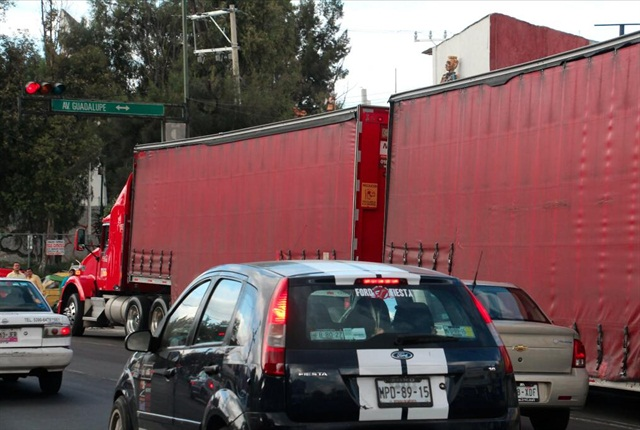 There is a battle brewing in Mexico over truck weights involving double trailers. (Photos by Evan Lockridge)