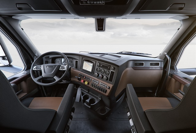 New Cascadia Elite Interior Cockpit Package shown in Saddle Tan and Black. Photo Courtesy of Freightliner.